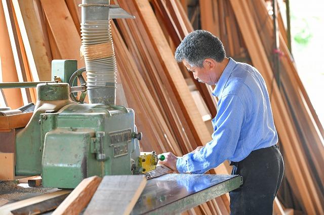 作業風景  オーダー家具 オーダー建具 有限会社井上製作所